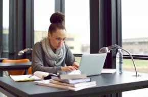 Participa en los cursos y mentorías de Mujer Emprende